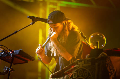 Tash Sultana at Mindil Beach